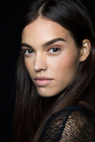 Fresh-Face hbz-backstage-beauty-bcbg-ss2015-lg