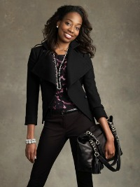 Jacinda-Motton Black-Outfit resized 200x267