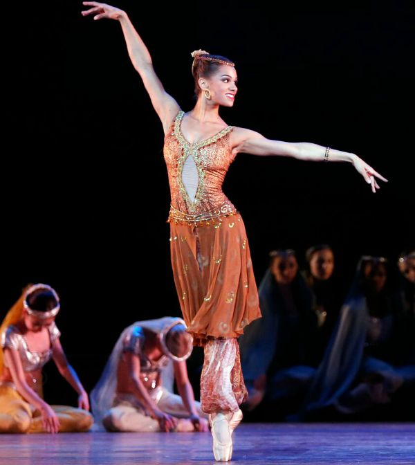 Misty Copeland Le Corsaire Photo Marty-Sohl 600x672