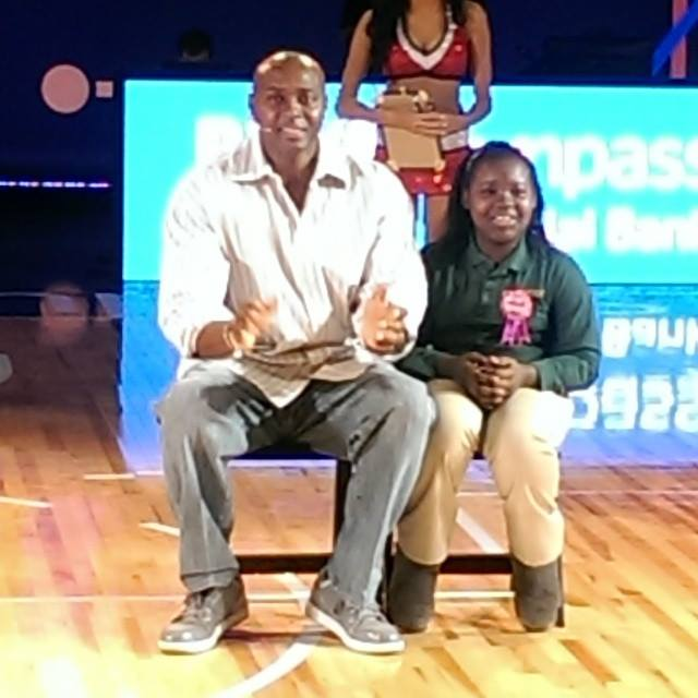 NBA-legend-Horace-Grant-interacting-with-fans-at-NBA-House
