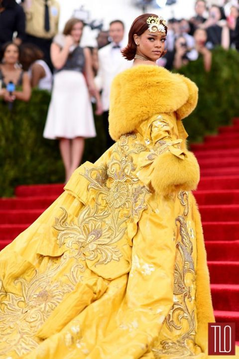 The showstopper of the evening was Rihanna wearing a canary yellow elaborate gown with major detailing created by Chinese designer Guo Pe