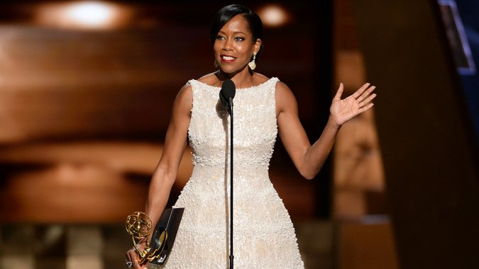 Regina-King-receives-Emmy-for-American-Crime 2 09202015
