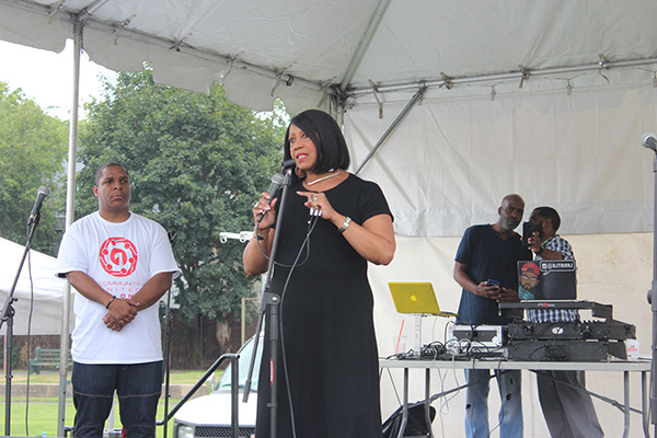 Vinnie from Naughty by Nature and Sheila Oliver NJ Lieutenant Governor Candidate onstage IMG 5301 600x400