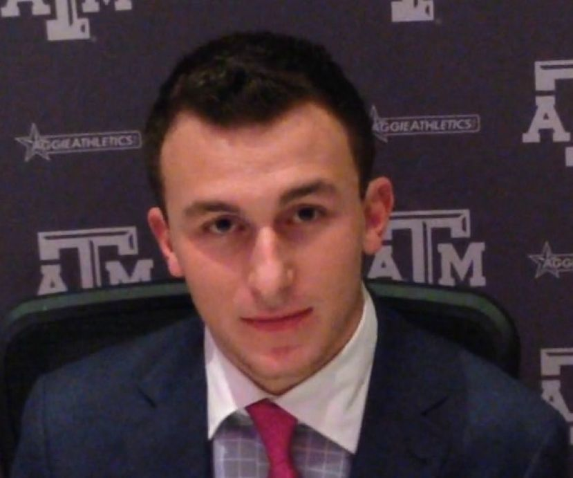 Johnny Manziel meeting with the media during the 2013 Heisman Trophy Announcement