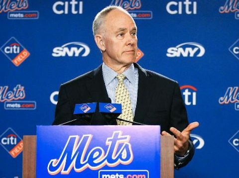 METS GM Sandy Alderson addressing the media