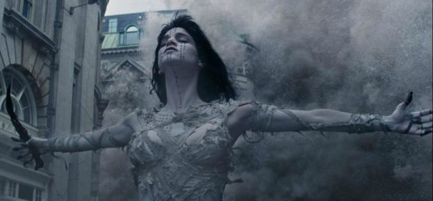 Sofia Boutella as the Mummy in the new movie, The Movie.