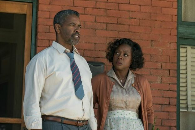Actors Denzel Washington and Viola Davis in the movie Fences