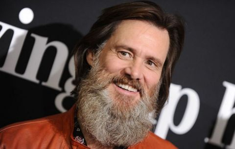 Jim Carrey, an actor/comedian, embroiled in a legal complaint brought by his deceased girlfriend's family.