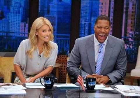 Kelly Ripa and Michael Strahan on the set of Live with Kelly and Michael