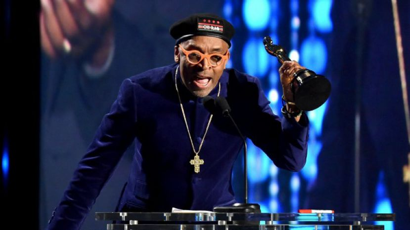 Filmmaker Spike Lee giving his acceptance speech upon receiving an honorary Oscar from the American Motion Pictures Arts and Sciences seventh annual Governor's Ball